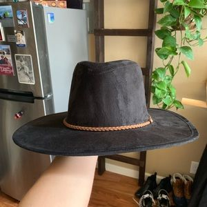 Wide brimmed hat with leather tie